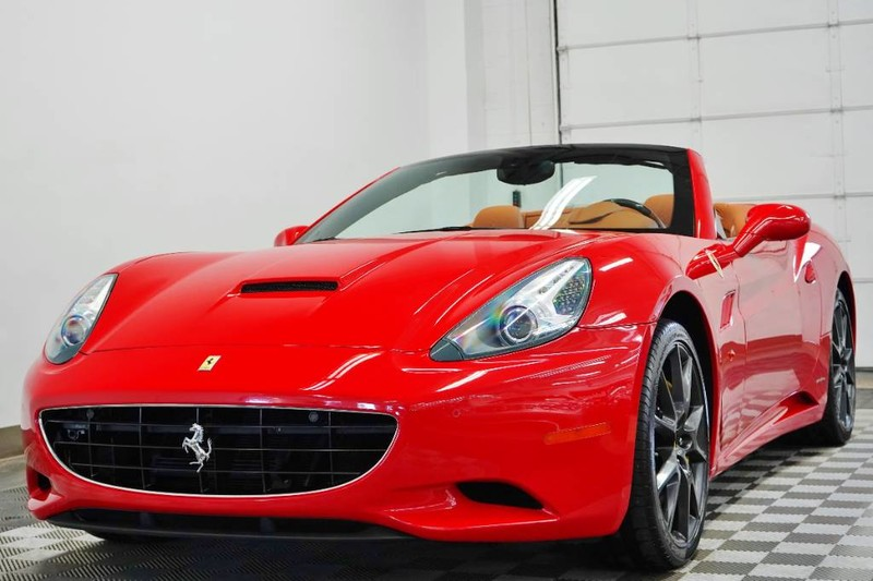 Pre-Owned 2011 Ferrari California