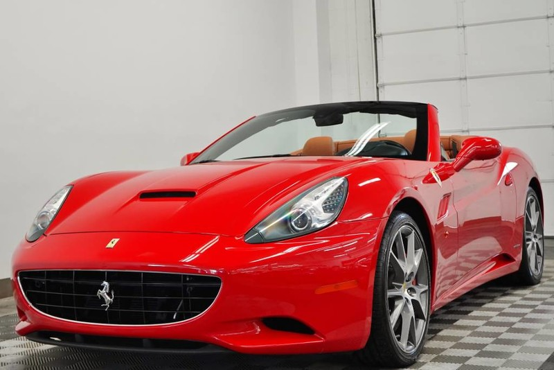 Pre-Owned 2013 Ferrari California
